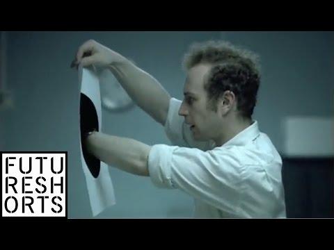 الثقب الاسود - فيلم قصير 3 دقاائق - رهيب جدا
